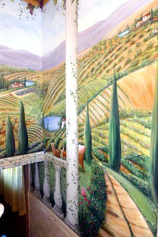 vineyard-mural-tuscany-chianti-staircase