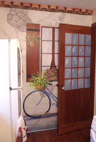 provence-mural-bike-door