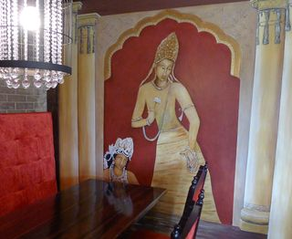 Indian-gardens-restaurant-mural-ajanta-caves-god-gold-red