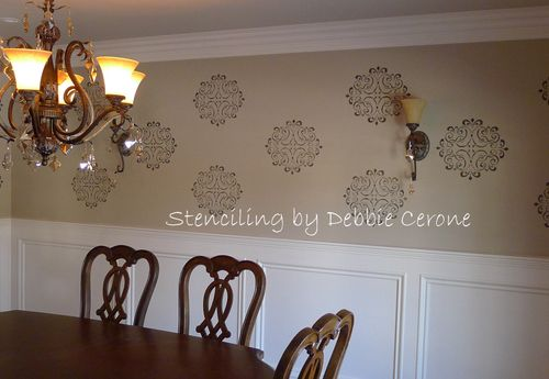 Hand-lettering-stencil-dining-room-metallic-medallion